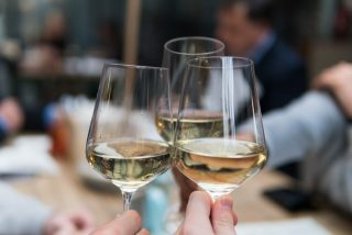 witte wijn drinken